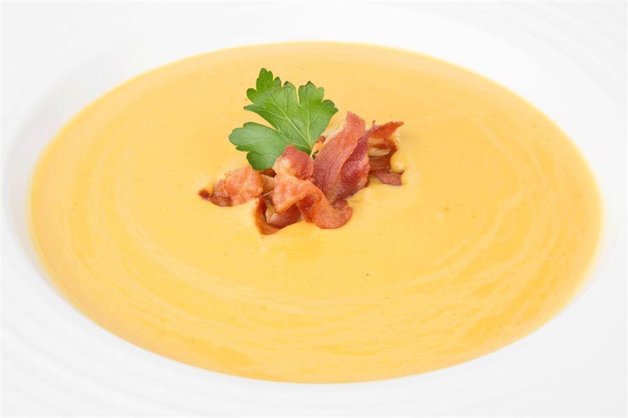 Lentil and crispy bacon soup
