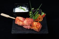 Tandoori salmon skewer with raita dip