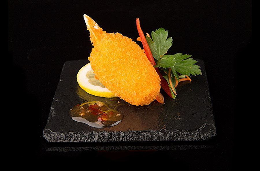 Breaded crab claw with sweet chilli dip