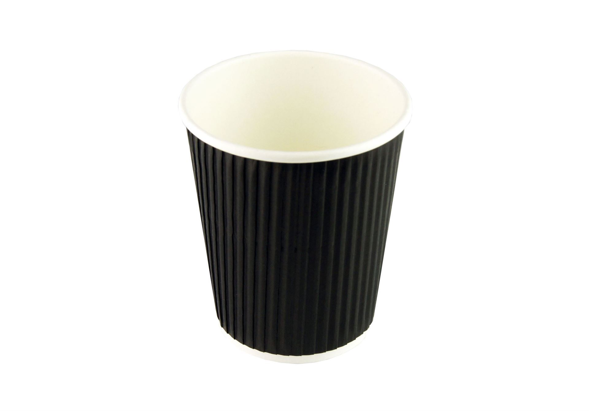Disposable thermal cup for hot drinks